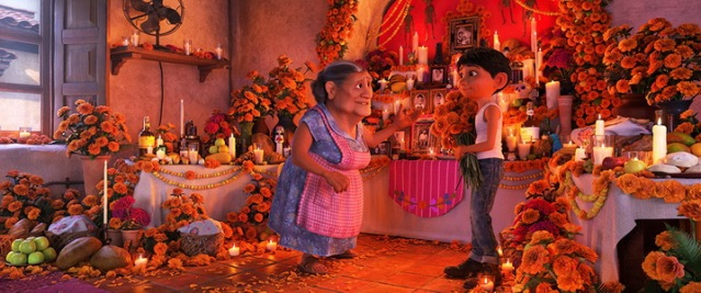 coco-2017-review-a-magical-odyssey-of-death-and-family-9